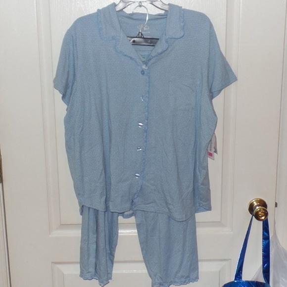 8141871b66 Cabernet Blue Print Pajama Capri Top PJ Set XL NEW